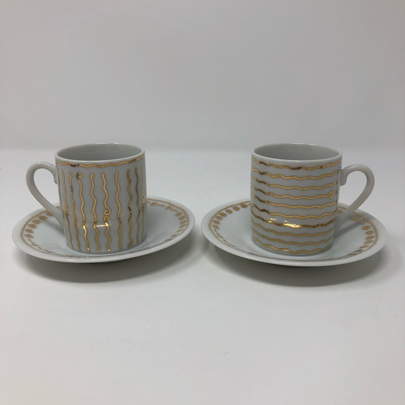 Pottery Barn 2 Cappuccino Cups & Saucers swirl